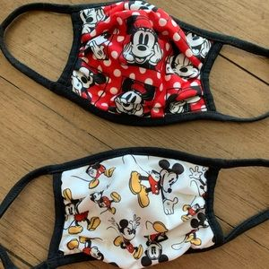 Mickey and Minnie mouse face masks. ⭐️NWOT⭐️